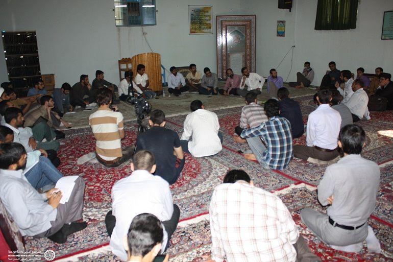 گعده با فضای دانشجویی و طلبگی و بحث پیرامون مسائل جهان اسلام